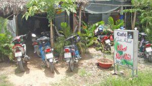 2 quán cà phê hoạt động cả hoạt động mua bán mại dâm