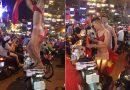 3 thanh niên mặc nội y nữ ăn mừng U23 Việt Nam gây phản cảm