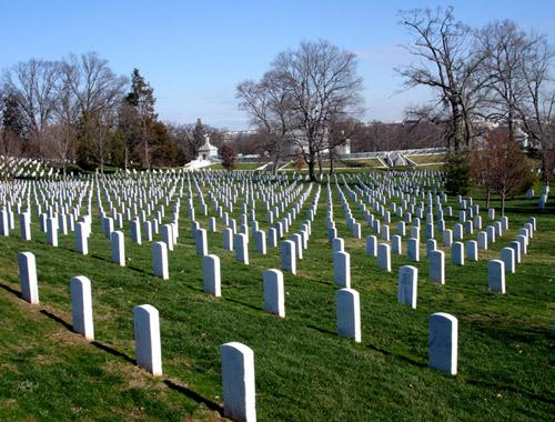 Nằm mơ thấy mồ mả, nghĩa địa là điềm báo gì ?