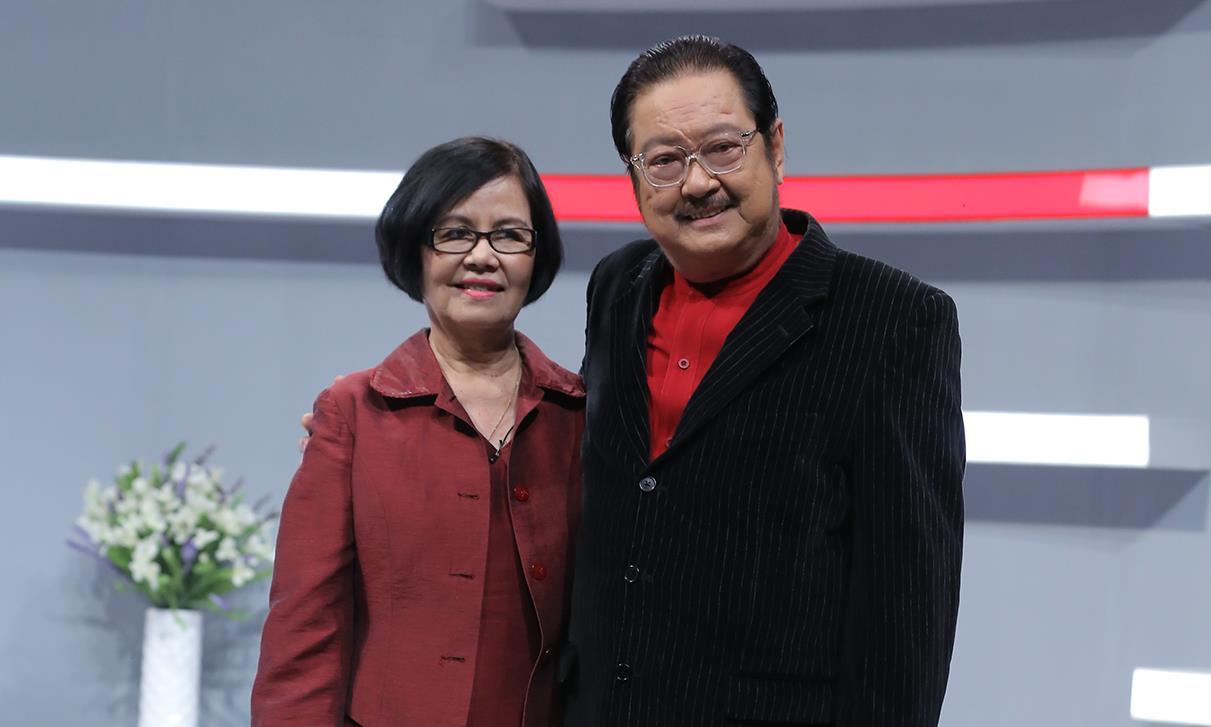 Hình ảnh vợ chồng nghệ sỹ Chánh Tín