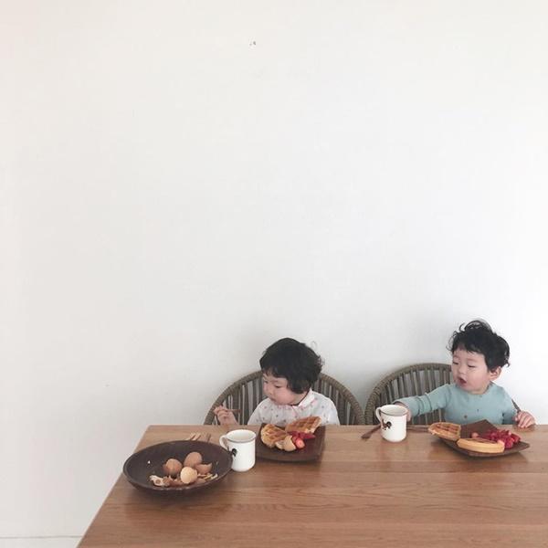 Cặp nhóc siêu cute gây đốn tim bao cư dân mạng