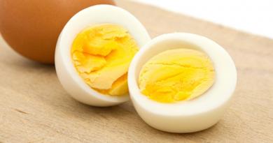 Thường xuyên ăn trứng có gây hại đến sức khỏe hay không?