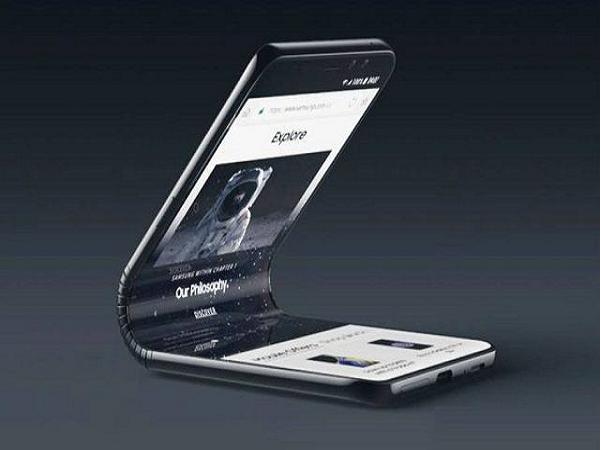 Smartphone màn hình gập, siêu phẩm công nghệ đâu tiên