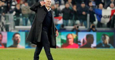 Mourinho khiêu khích CĐV Juventus