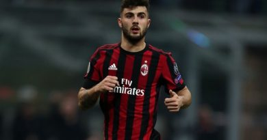 Milan sử dụng tiền bán Locatelli để mua Bakayoko