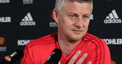 Man City đại thắng MU: Pep Guardiola chưa nghĩ vô địch