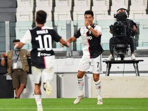 Bóng đá quốc tế sáng 21/7: Juve thắng trận, Sarri chỉ ra điều đặc biệt ở Ronaldo