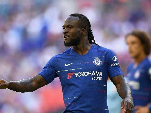 Chuyển nhượng cầu thủ 16/10: Victor Moses CHÍNH THỨC rời Chelsea