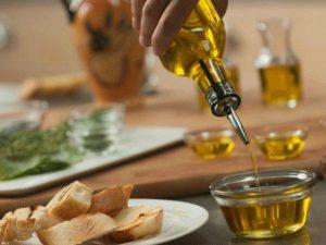 Mơ thấy dầu ăn có phải là điềm báo tốt lành?