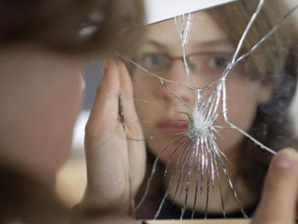 Mơ thấy gương là điềm báo lành hay dữ?
